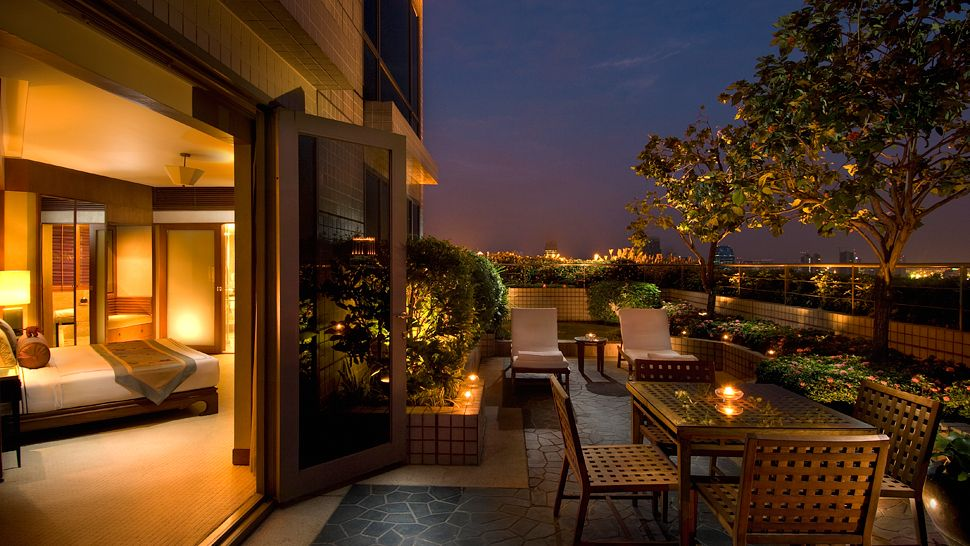 Conrad bangkok bangkok thailand for Top design hotels bangkok