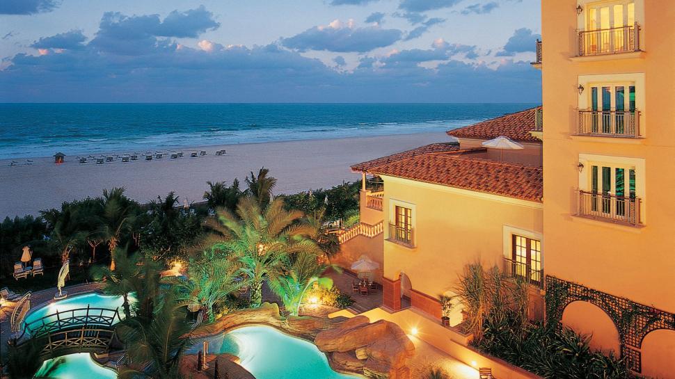 The Ritz Carlton Dubai luxury boutique hotel in Dubai