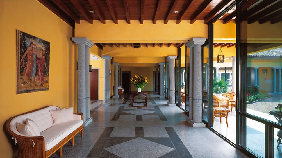 Castello del sole ticino switzerland for Design hotel tessin
