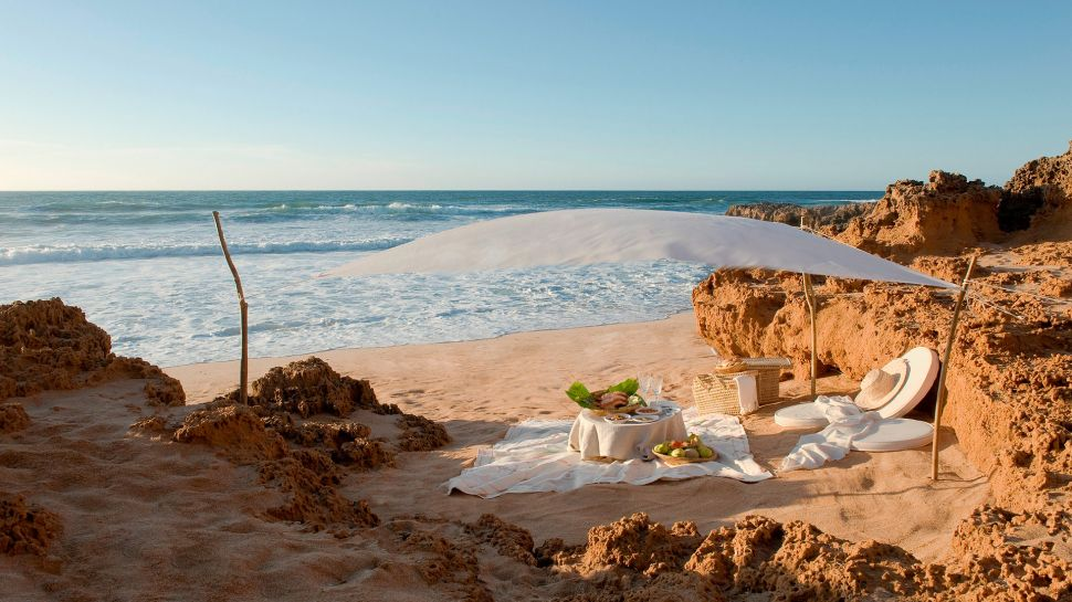gallery for romantic beach picnic night
