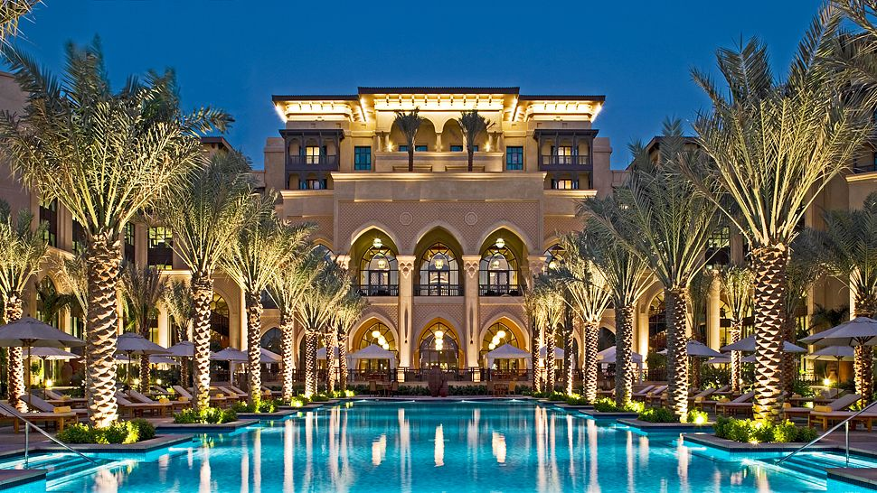 The palace downtown dubai dubai united arab emirates for Cheap hotels in downtown dubai