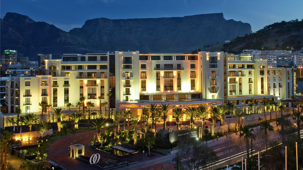 One only cape town western cape south africa for Hotel luxury world