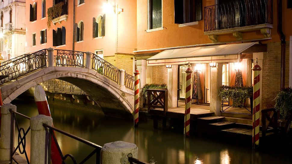 Splendid Venice — city, country