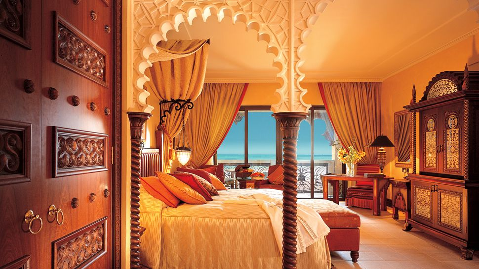 Al qasr hotel madinat jumeirah dubai united arab emirates for Hip hotel dubai