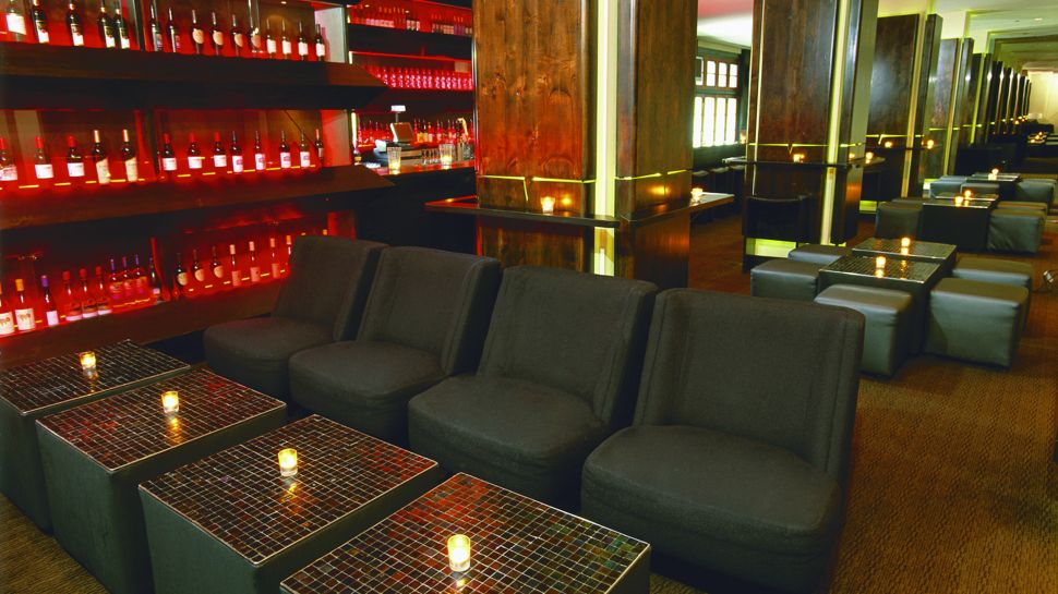 Hotel valencia santana row san francisco bay area california for Back bar sofa san jose
