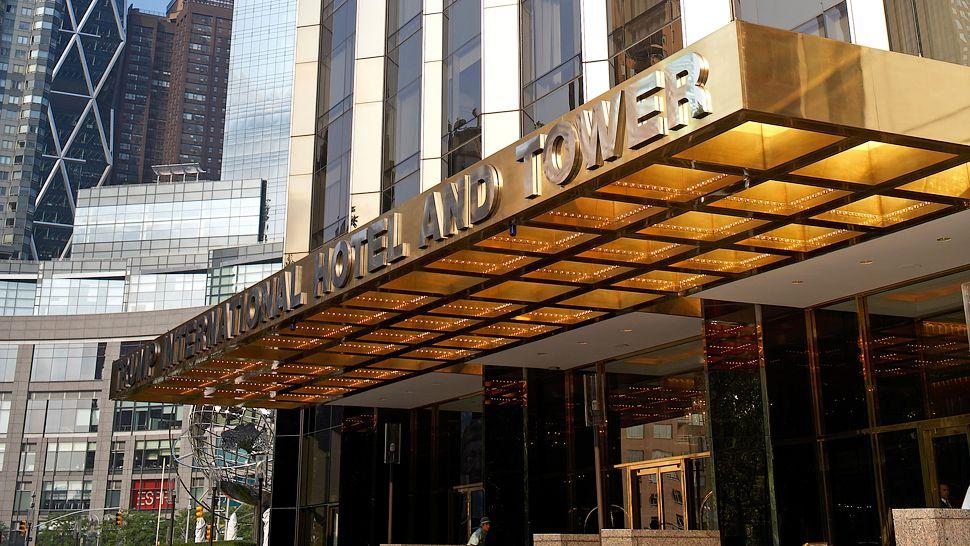 Trump international hotel tower new york new york for Dog friendly hotel nyc