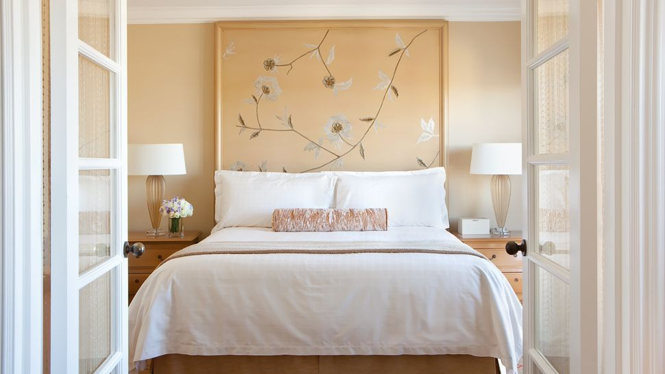 Four seasons hotel los angeles at beverly hills greater for What is a french bed in a hotel