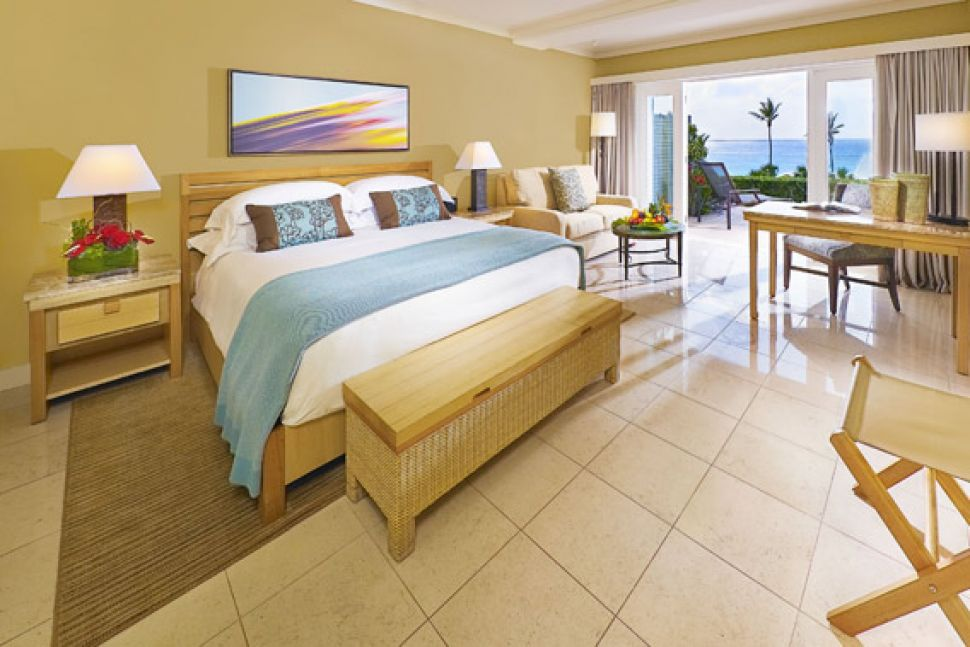 Elbow Beach, Bermuda — Elbow Beach, Bermuda