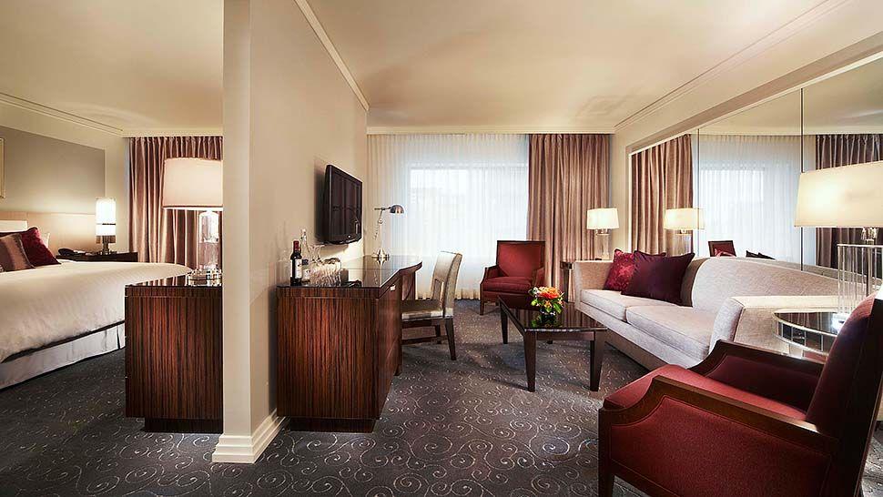 Loews Hotel Montreal Premium Room