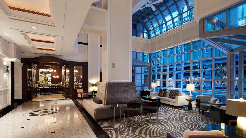 Loews hotel vogue montreal montreal quebec for Visa hotel luxury collection