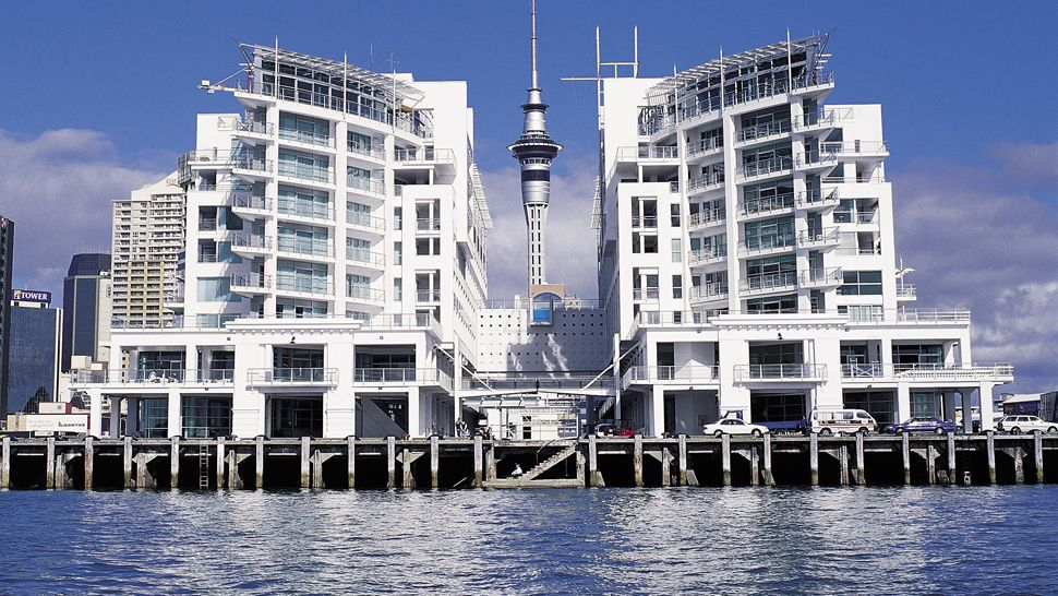 Hilton auckland north island new zealand for Pool design auckland