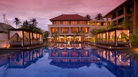 Indonesia luxury hotels and resorts visa signature for Visa hotel luxury collection