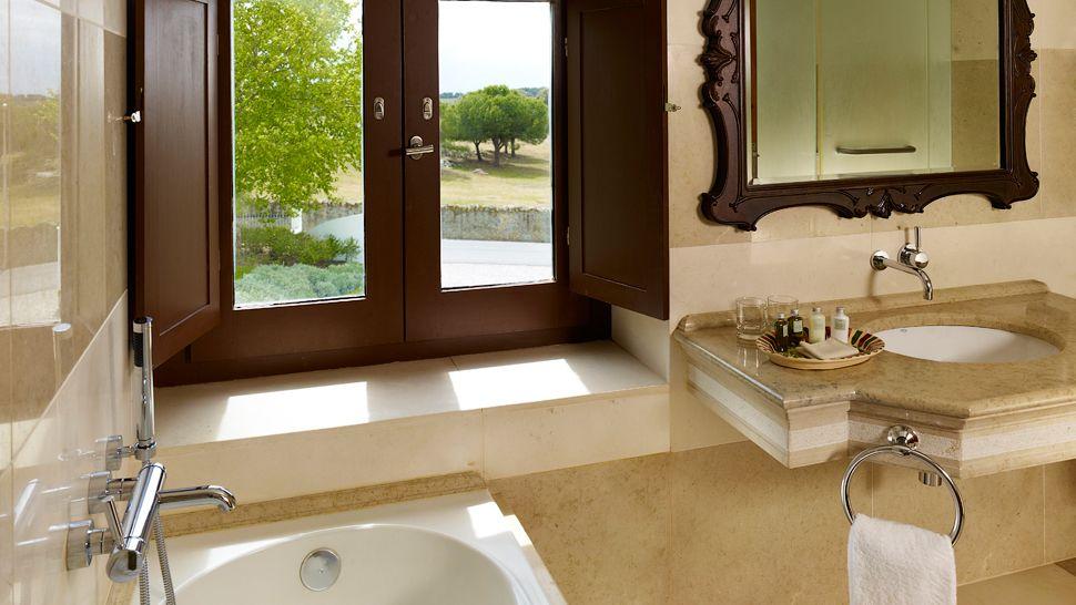 Convento do Espinheiro, A Luxury Collection Hotel & Spa — Évora, Portugal
