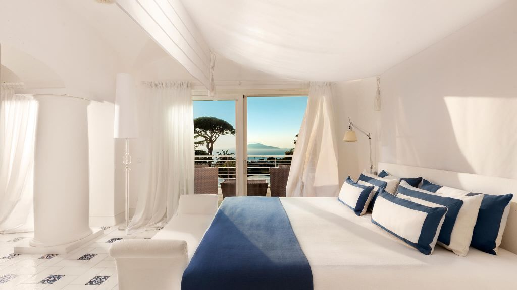 Captivant Capritouch Bedroom View. Classic Garden Side Capri Palace Italy