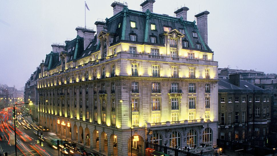 The ritz london england united kingdom for Best modern hotels in london