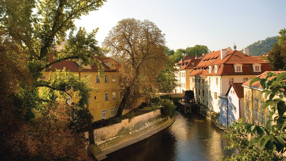 Mandarin oriental prague prague czech republic for Best hotel location in prague