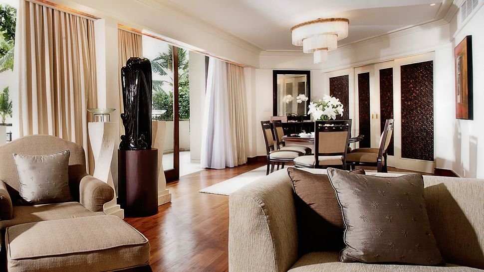 Intercontinental bali resort denpasar bali for Dining room with sitting area ideas