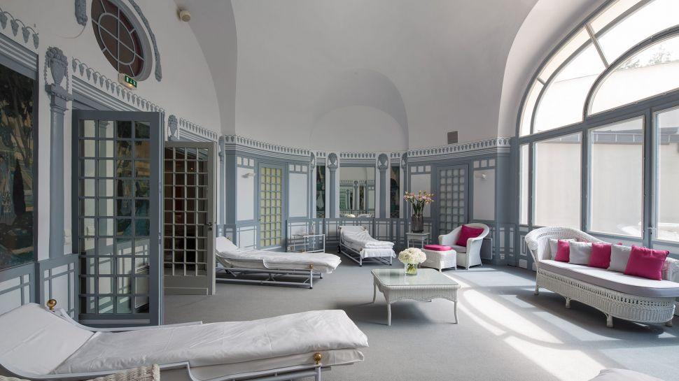Hotel royal evian resort haute savoie rh ne alpes - Hotel royal evian les bains ...