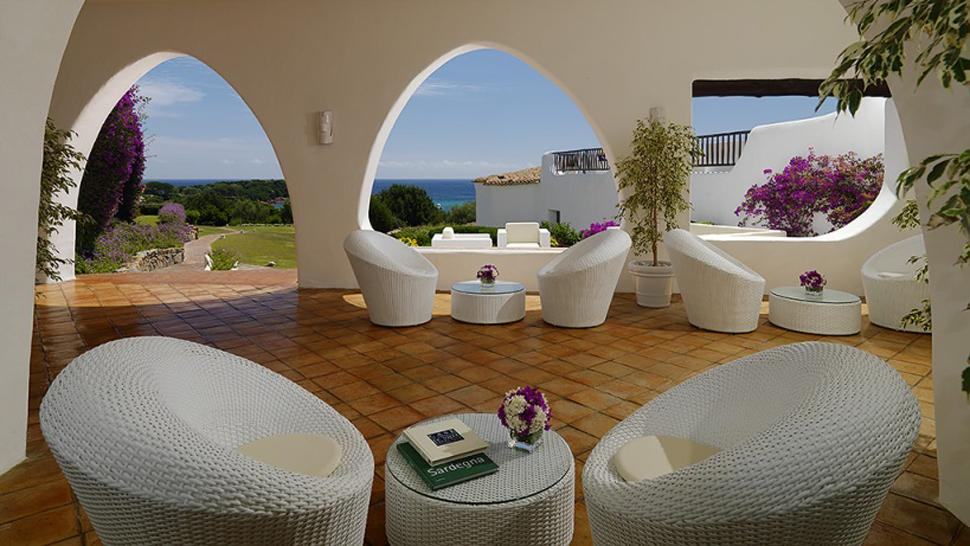 Hotel romazzino costa smeralda sardegna for Sardinien design hotel
