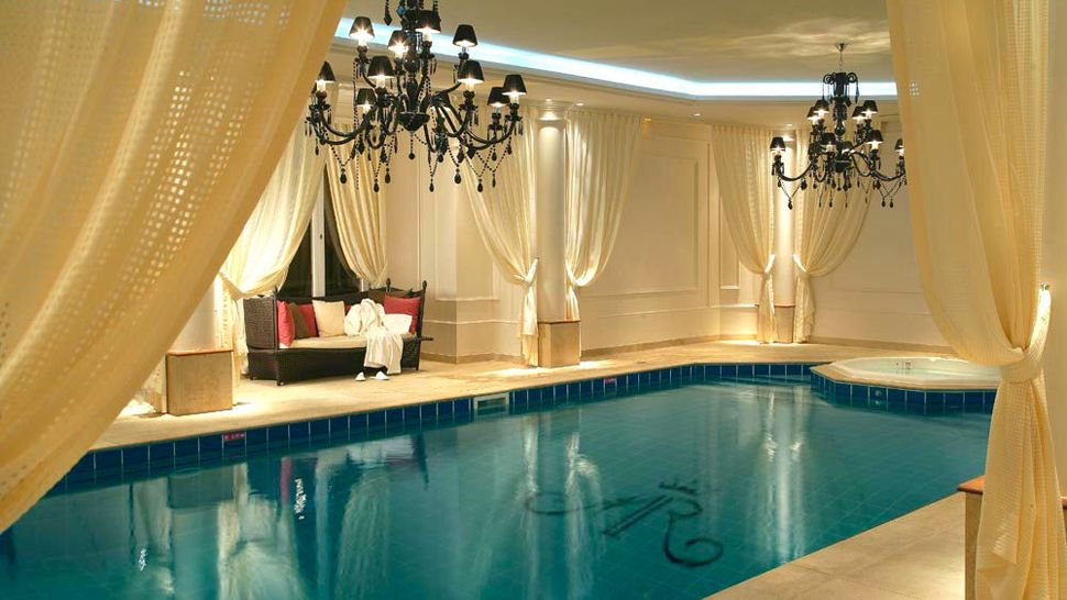 Luxury Wedding Indoor: Tiara Château Hotel Mont Royal Chantilly, Chantilly, Picardy