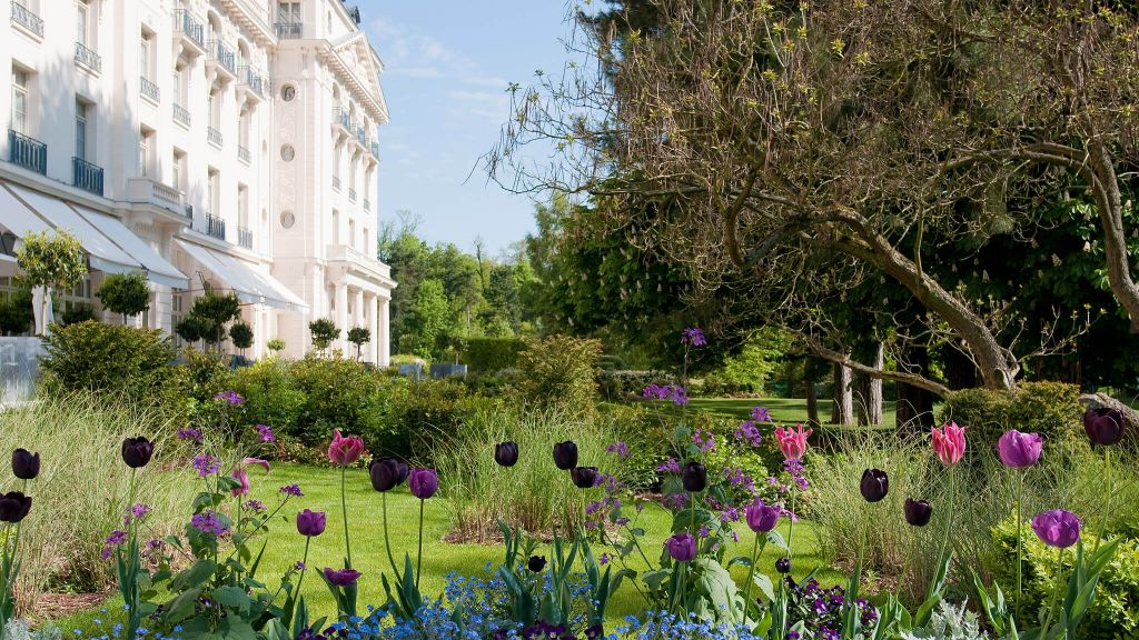 Trianon palace versailles a waldorf astoria hotel le de france france - Hotel trianon versailles ...