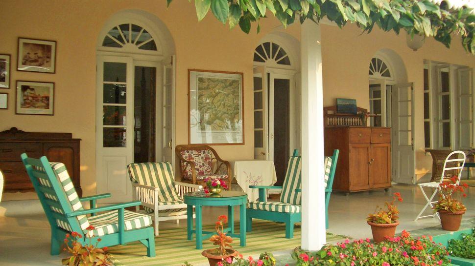 Glenburn tea estate west bengal india for Verandah designs in india