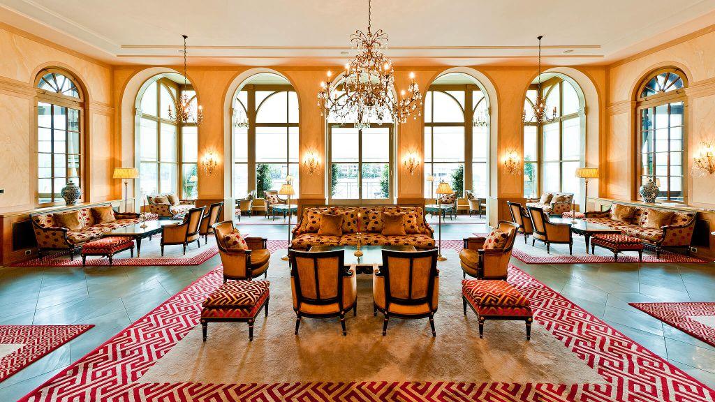 grand hotel les trois rois basel basel stadt. Black Bedroom Furniture Sets. Home Design Ideas