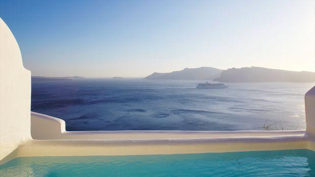 Kirini — Oia, Greece