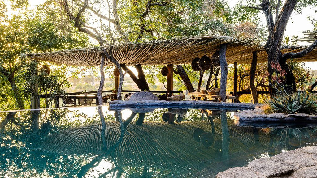 luxury eco-friendly safari, sustainable travel, eco-friendly hotels, Singita Boulders Lodge South Africa