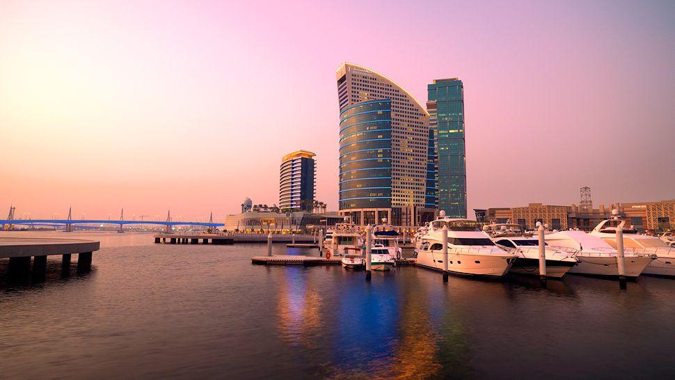 Intercontinental dubai festival city dubai united arab for Luxury hotels in dubai marina