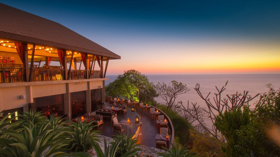 Banyan Tree Cabo Marques Hotel Gardens At Dusk