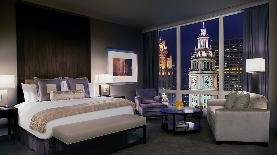 Luxury hotels in chicago kiwi collection for Upscale hotels in chicago