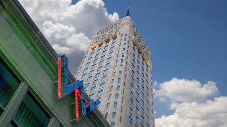 W Minneapolis - The Foshay - Minneapolis, United States