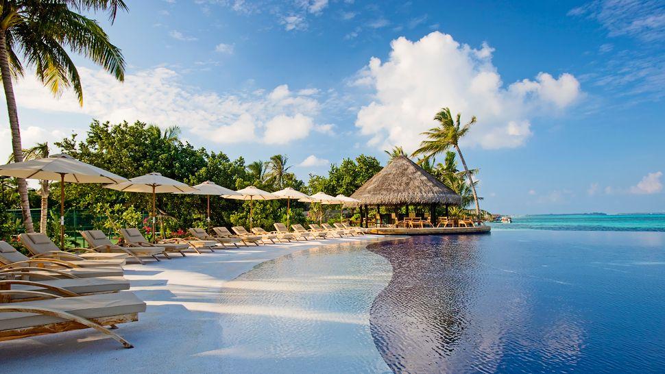 LUX* South Ari Atoll — Dhidhoofinolhu Island, Maldives