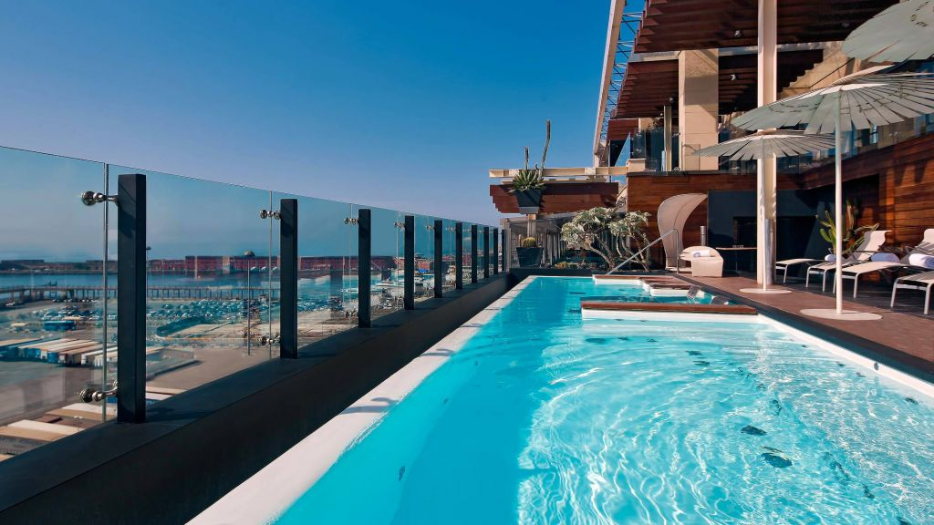 Romeo hotel naples naples campania for Hotels in bologna italy with swimming pool