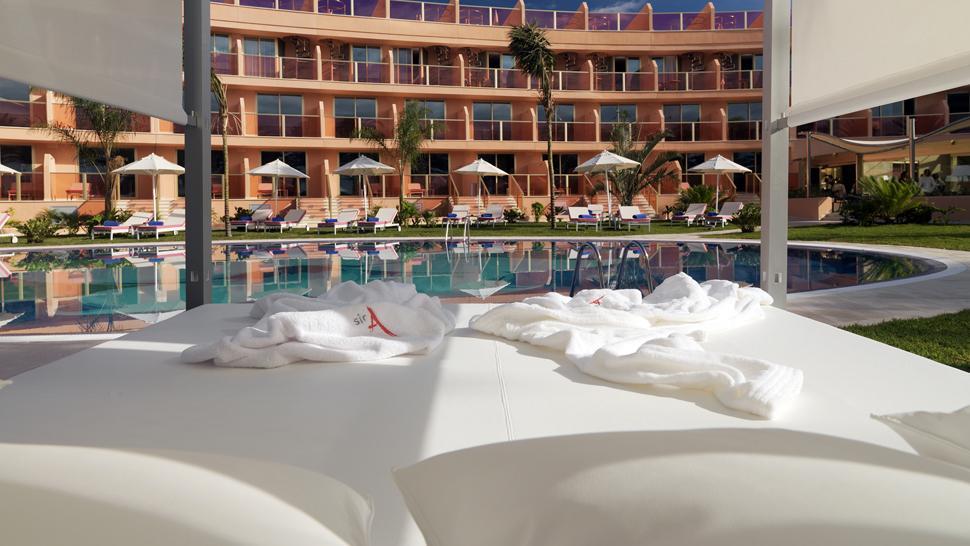Hotel Sir Anthony — Playa de Las Americas, Spain
