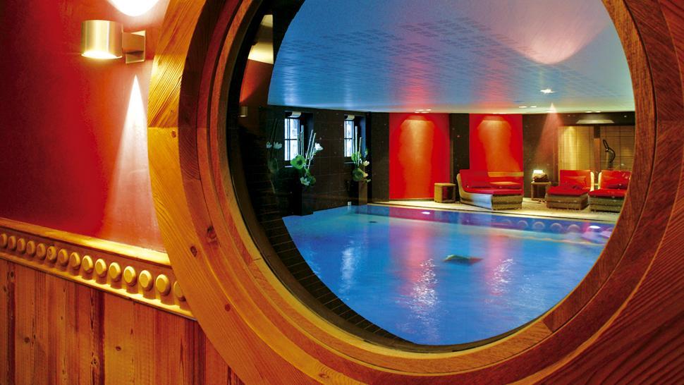 Hotel Manali — Courchevel, France