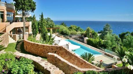 Tiara Yaktsa Côte d'Azur - Cannes, France