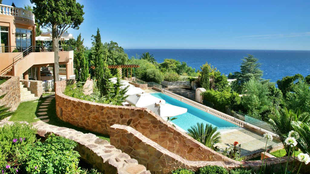 Tiara Yaktsa Côte d'Azur, Luxury Honeymoons & Romantic Stays in the South of France