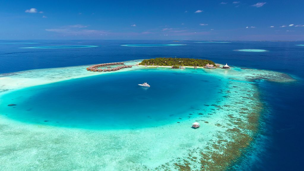 Explore honeymoon luxury hotels in The Maldives