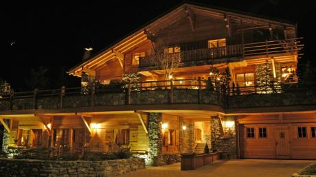Verbier luxury hotels and resorts kiwi collection for Hotel design valais