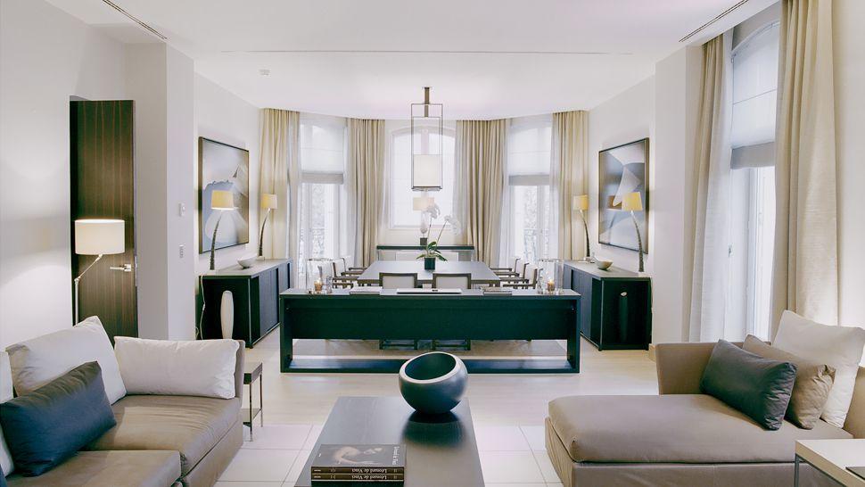 https://cdn.kiwicollection.com/media/property/PR007958/xl/007958-06-suite-living.jpg