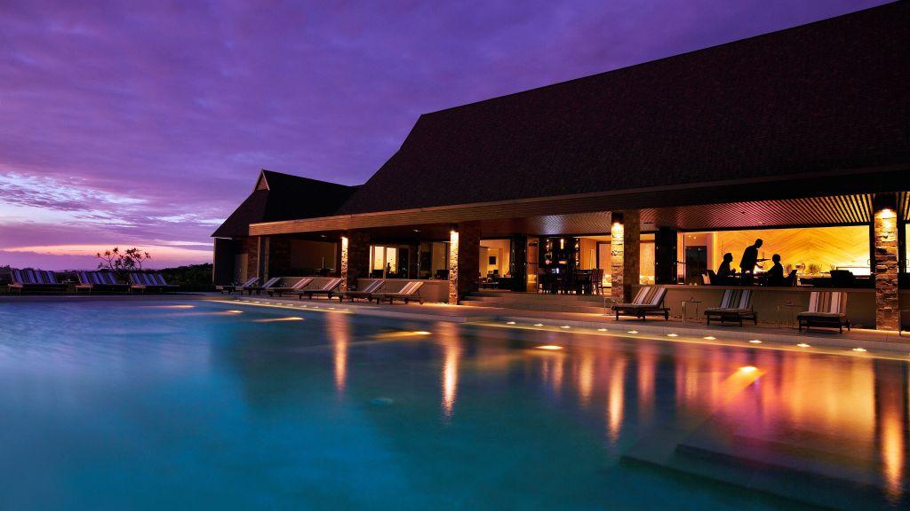 intercontinental fiji golf resort and spa viti levu fiji. Black Bedroom Furniture Sets. Home Design Ideas