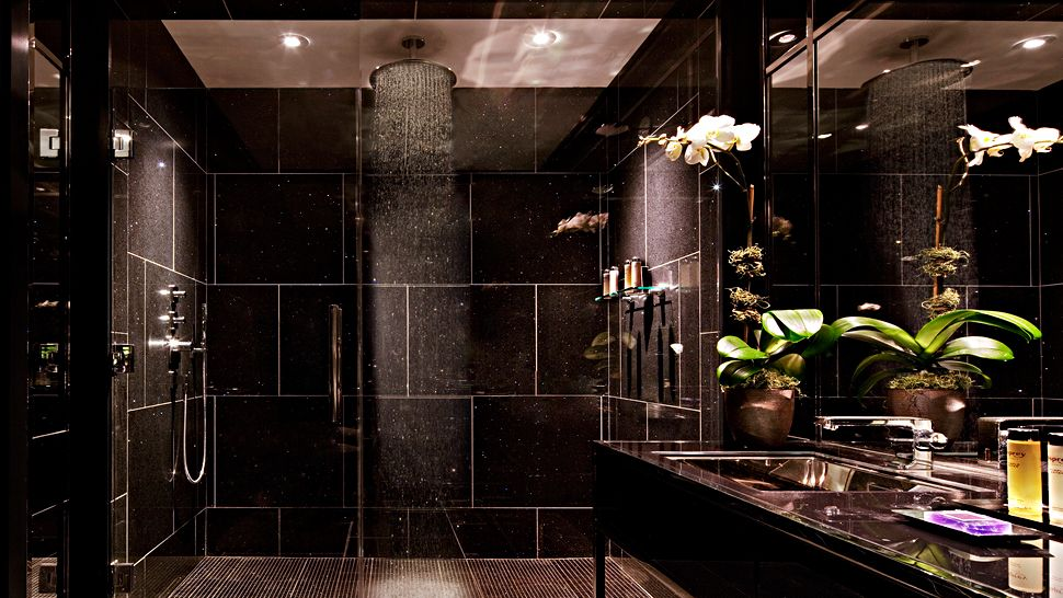 The chatwal a luxury collection hotel new york new york for Bathrooms in nyc