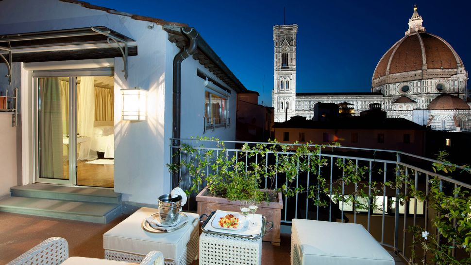 Hotel brunelleschi tuscany italy for Great small hotels italy
