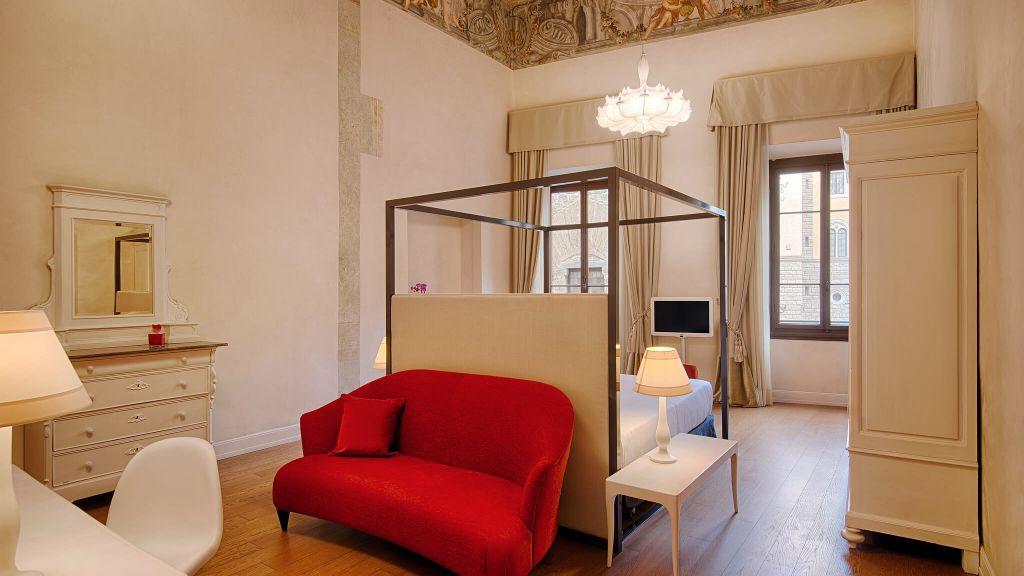 Nh collection firenze porta rossa tuscany italy - Porta rossa hotel florence ...