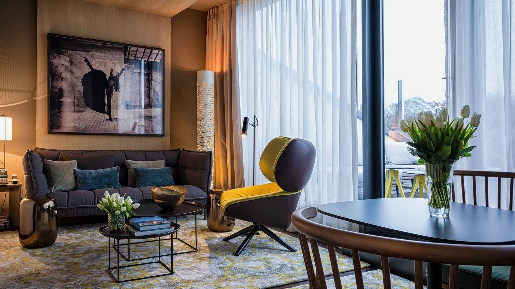 das stue berlin germany. Black Bedroom Furniture Sets. Home Design Ideas