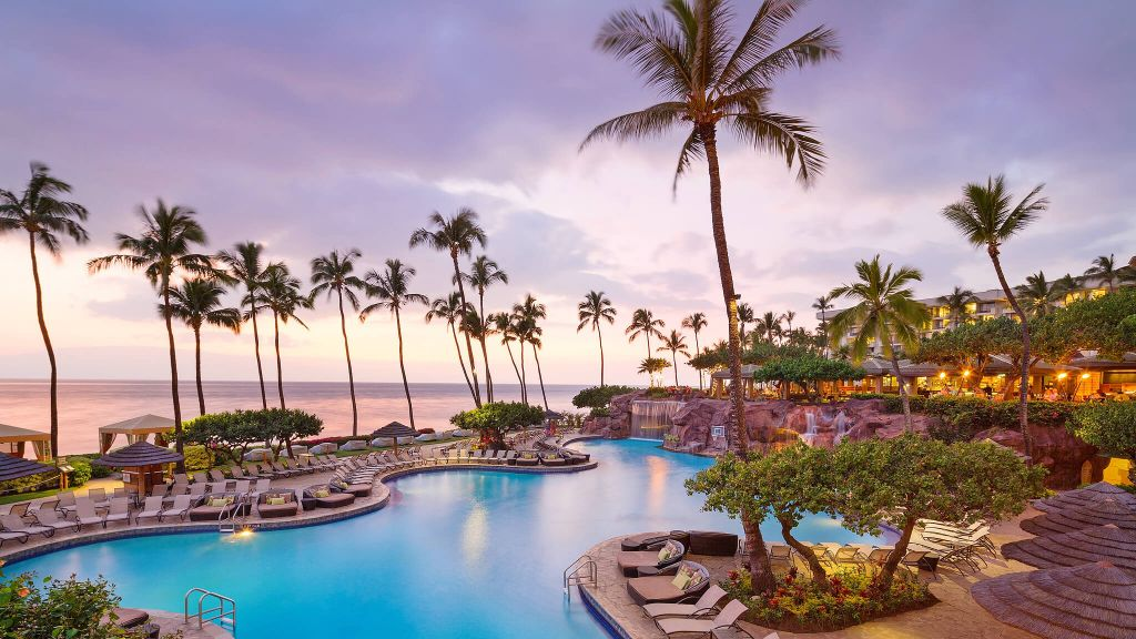 beach, family friendly, aerial, luxury hotel, family resorts, palm trees, pool, best hawaii resorts for families