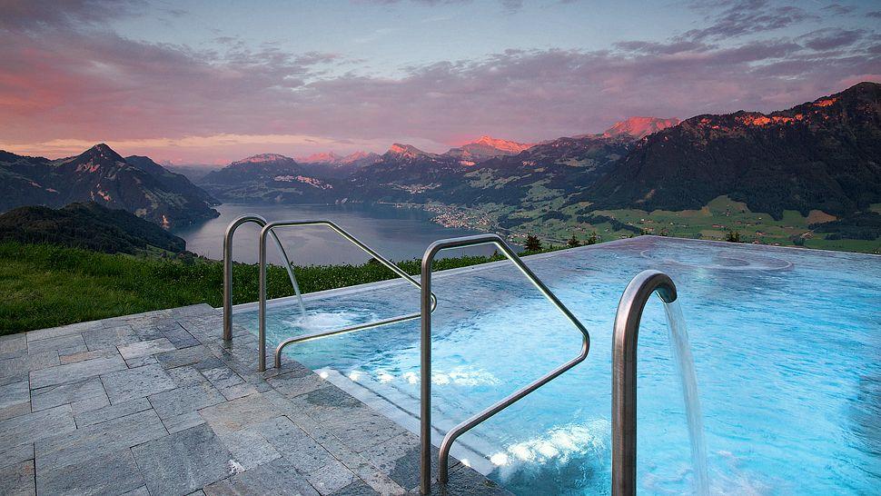 Resultado de imagen para lucerna infinity pool del hotel Villa Honegg