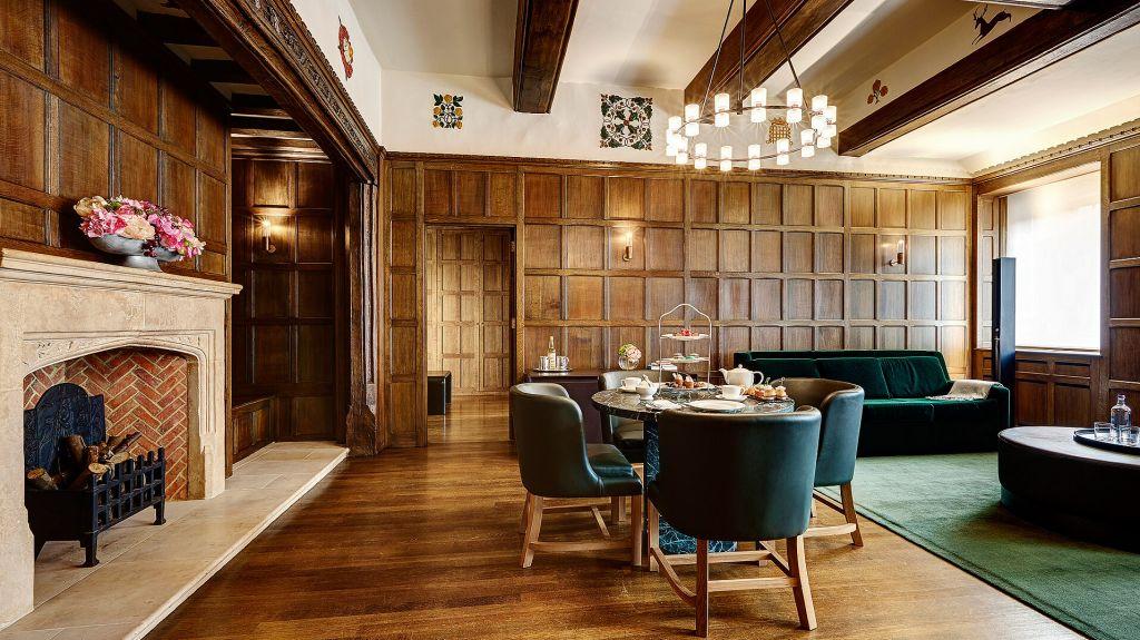 Hotel Cafe Royal Tudor Suite Living Room